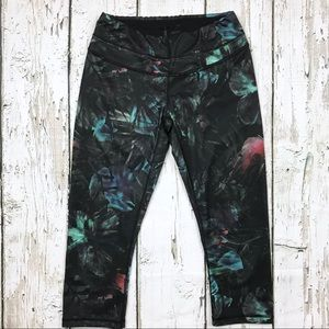 Lucy Tropical Print Yoga Capri Leggings Sz Small